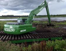 Waterking amphibious excavator swamp buggy